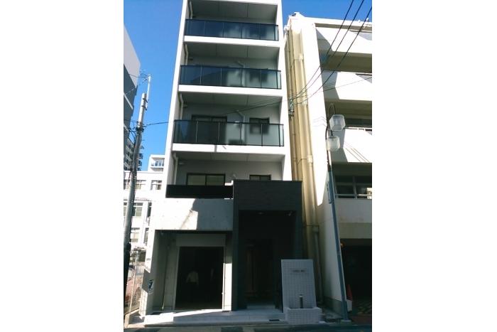 「栄」駅徒歩8分