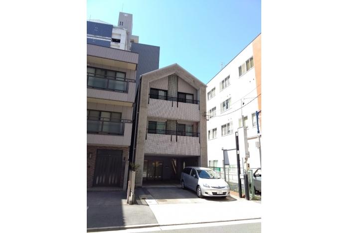 伏見エリアの1階駐車場付き店舗事務所
